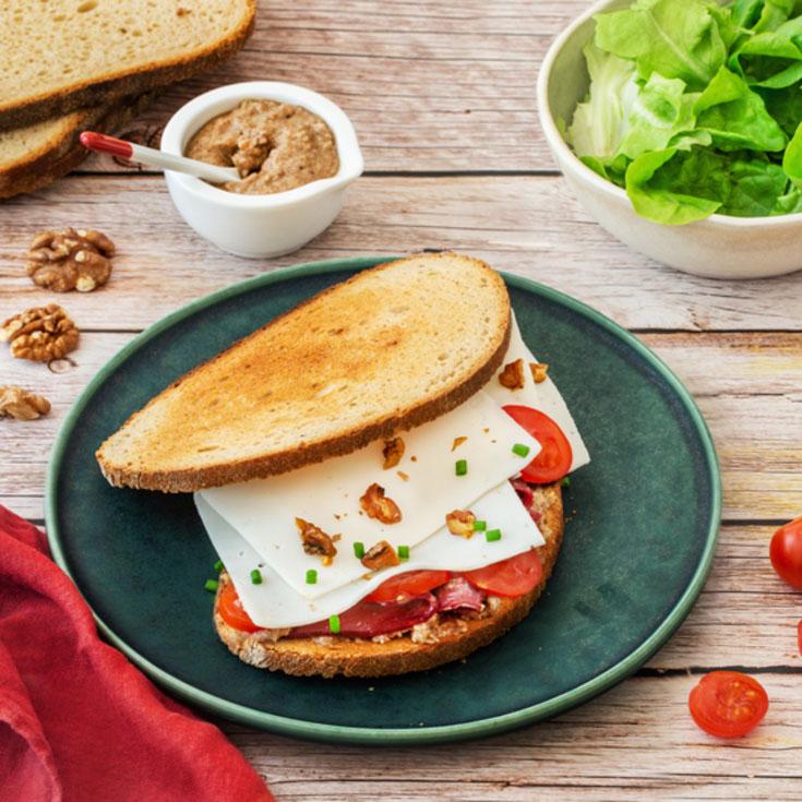 Sandwich campagnard au chèvre