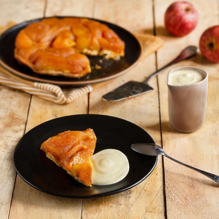 Tarte tatin et sa crème anglaise au yaourt brassé vanille au lait de brebis