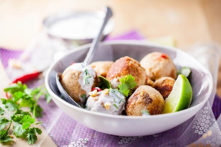 Boulettes de poulet à l'indienne et sauce au yaourt de chèvre