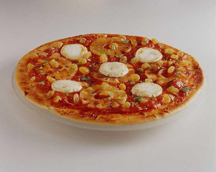 Pizza au chèvre, ananas et raisins secs
