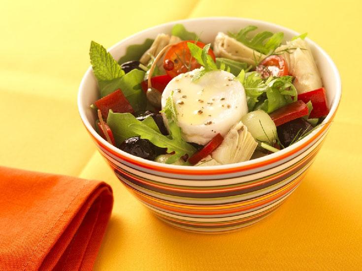 Salade crétoise au chèvre