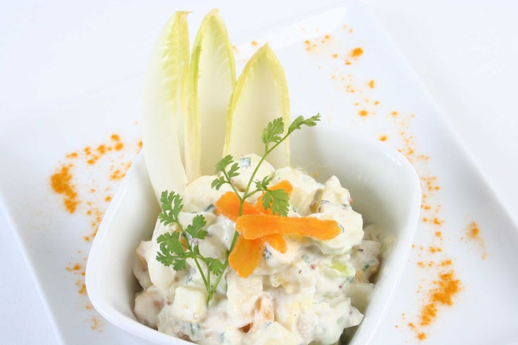 Salade de chèvre aux endives, pommes et abricots secs