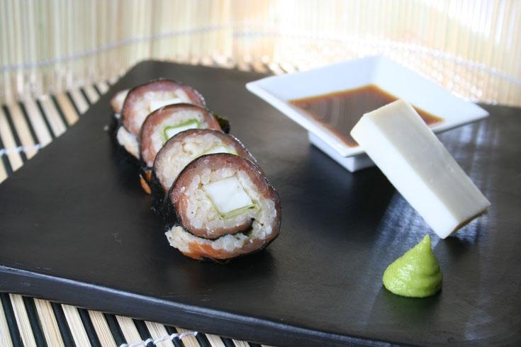 Sushi au fromage de chèvre et saumon fumé