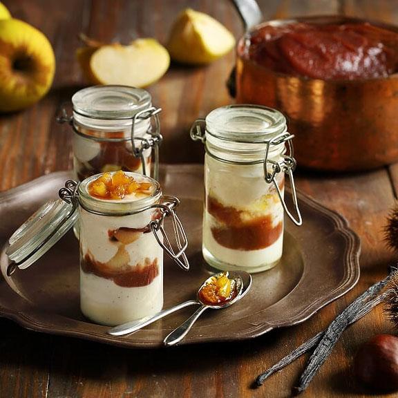 Verrines lactées à la vanille, crème de marron et pommes caramélisées