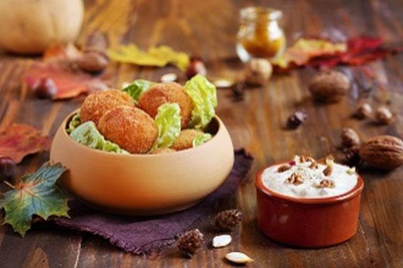 Croquettes au potimarron et curry, sauce au yaourt au lait de brebis