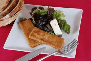 Fromage de chèvre pané en salade