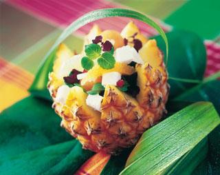Salade ananas et pamplemousse au chèvre frais