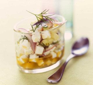 Salade de chèvre, concombre et anchois