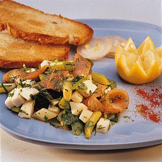 Salade de chèvre, saumon et poireau