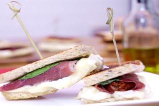 Sandwich Apéritif à la Brique de Chèvre