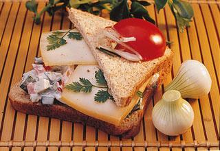 Sandwich Club aux légumes et chèvre